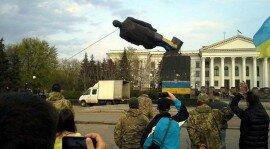Ленинопад: Нардеп Олег Недава прокомментировал снос памятника Ленину в Краматорске