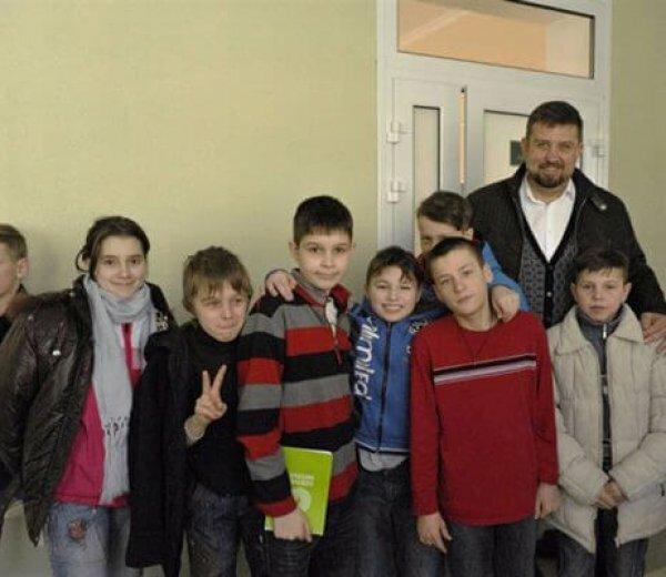 Олег Недава: Наш закон об усилении социальной защиты детей Донбасса подписал Президент